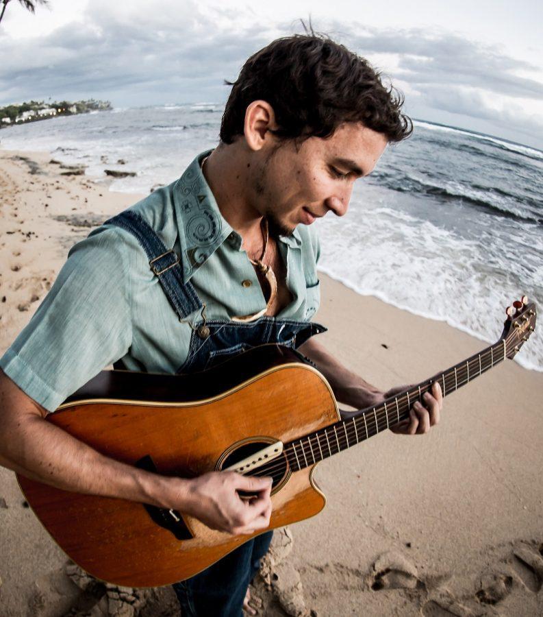 Hawaiian+musician+Makana+breaks+the+Hawaiian+stigma+through+music