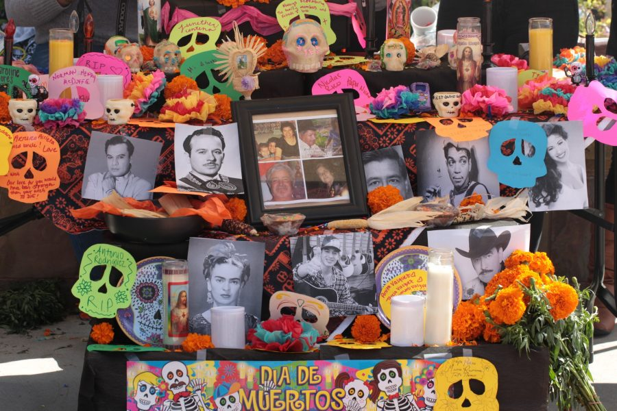 Latin At Center Celebrates Día De Los Muertos The Cougar Chronicle
