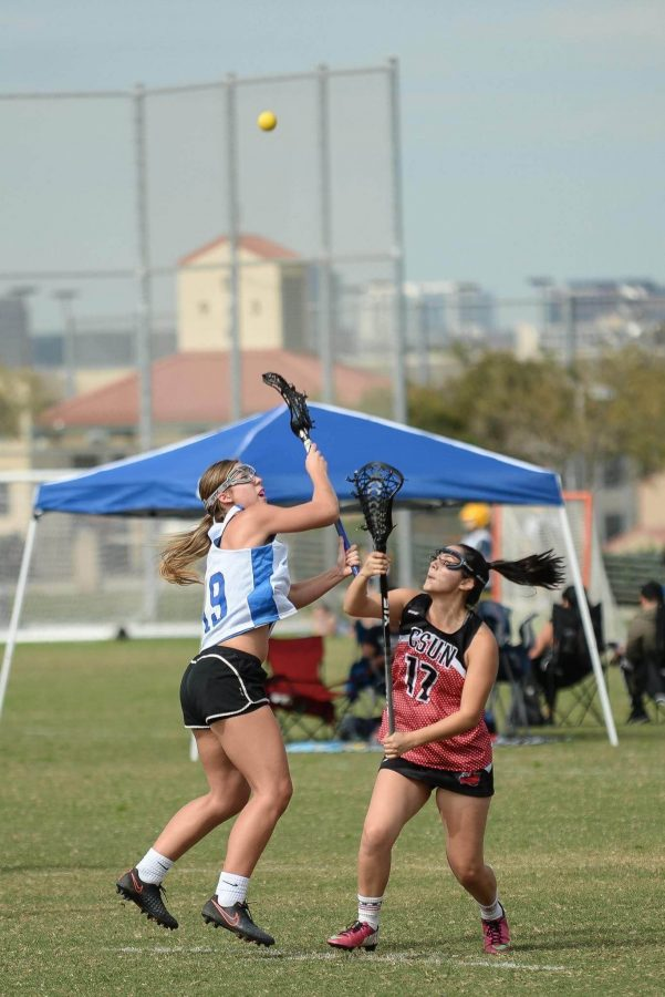 Women's lacrosse club wins two at UCI tournament
