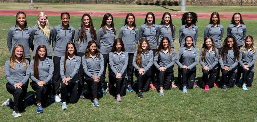 The women's 2019 cross country team.