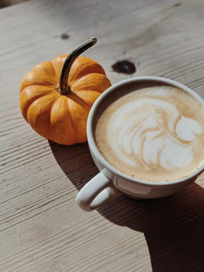 Pumpkin+spice+lattes+are+a+staple+fall+beverage+but+can+get+pricey+really+quickly.+Here%E2%80%99s+an+easy+recipe+you+can+make+from+the+comfort+of+your+home.+