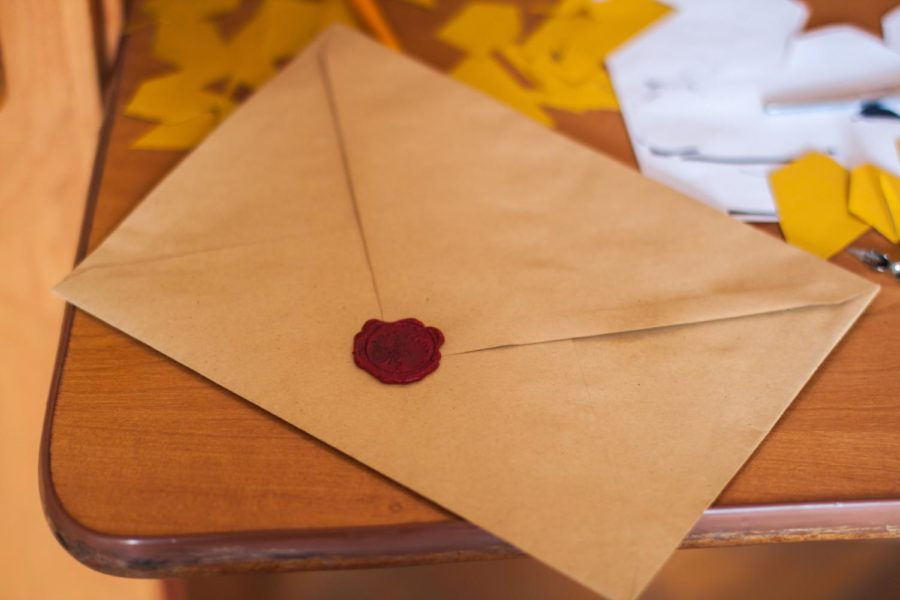 Envelopes are something we all need but often do not have right when we need them. With this simple trick, you can make your own.